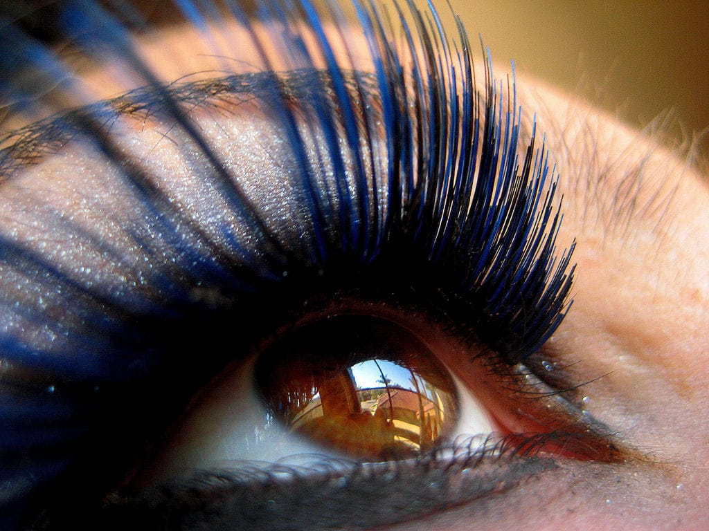 Are Eye Lash Extensions Safe for Your Eyes?