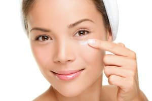 Three Ways Cosmetics can be affecting your Eye Health