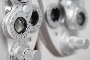 eye-doctor-phoropter