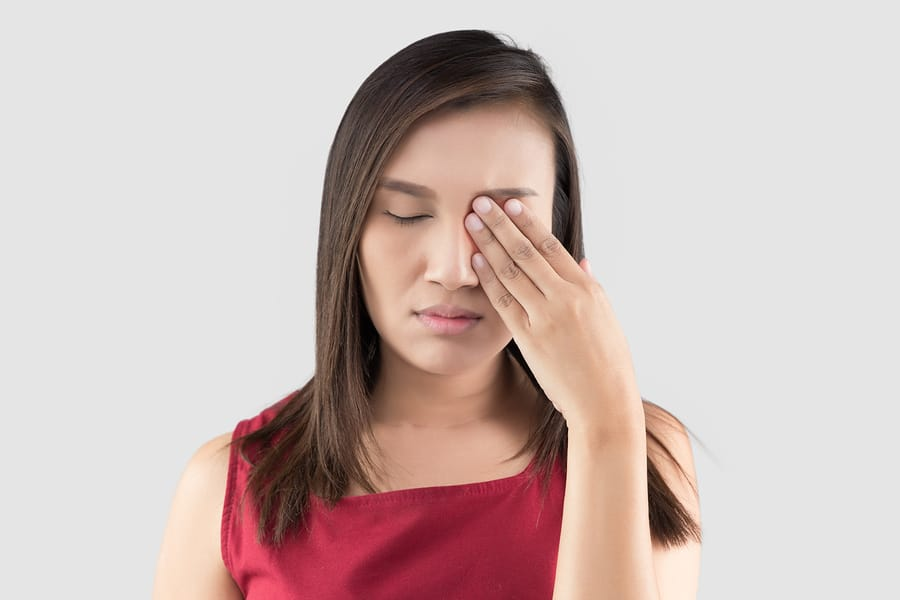 5 Reasons Your Eyes May Be Red and Irritated