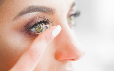 5 Things Contact Lens Wearers Should Never Do